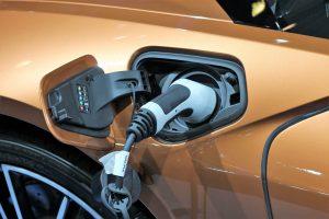 Modos de cargar coches eléctricos. ¡Recargar no es complicado!