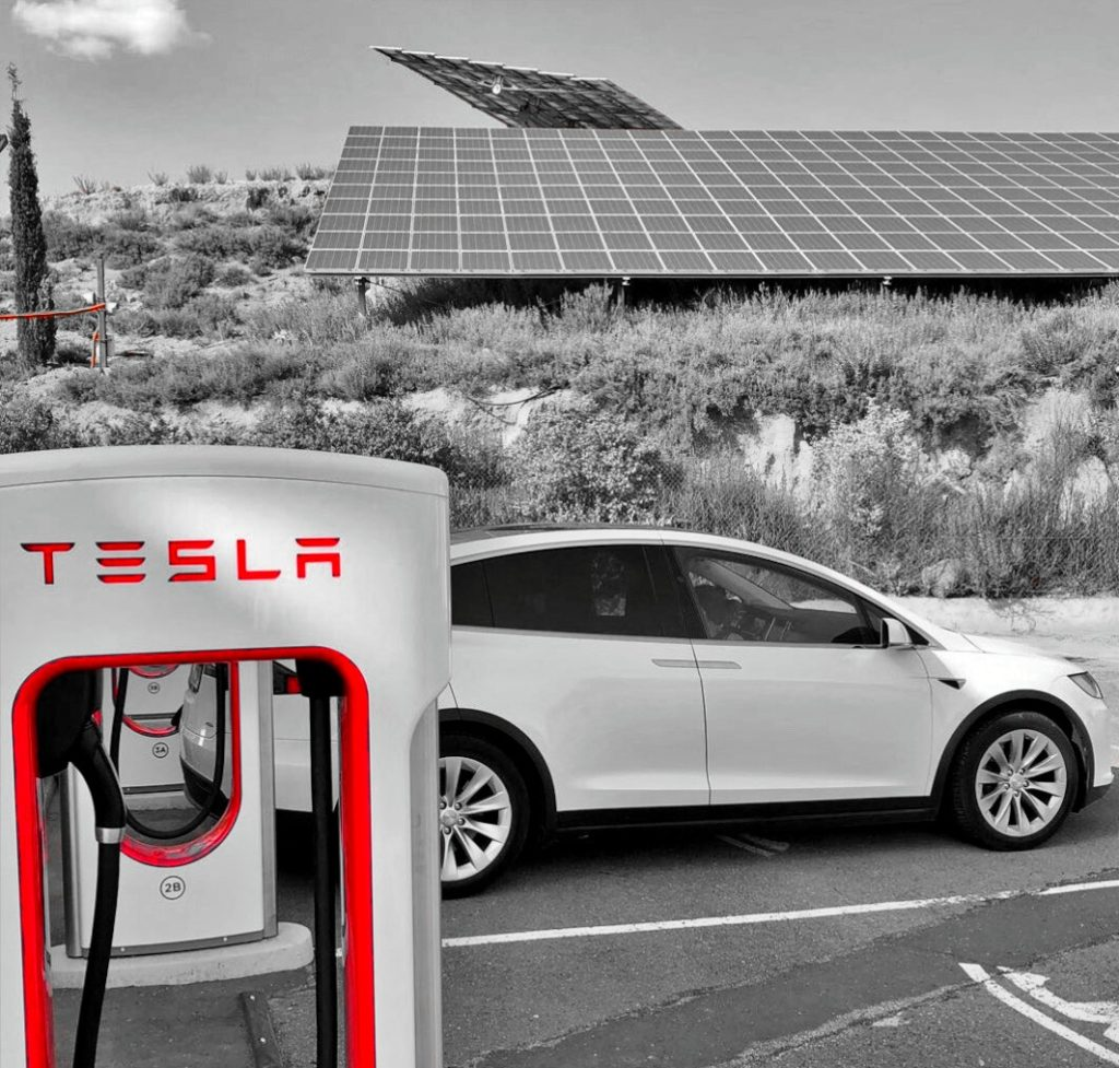 Punto para la recarga de vehículos de Tesla